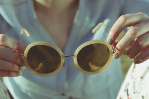 sunglasses-1246251_640