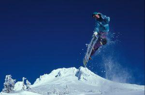 snowboarding-1734841_640