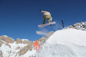 snowboarding-1161799_1280