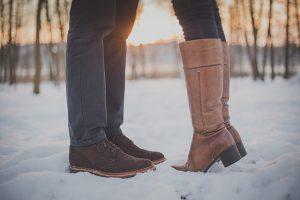 kissing-couple-1209043_640
